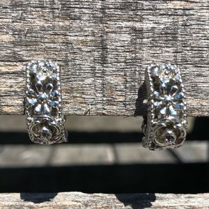 🆕List! Ornate Floral Silver Hoop Earrings! VTG!